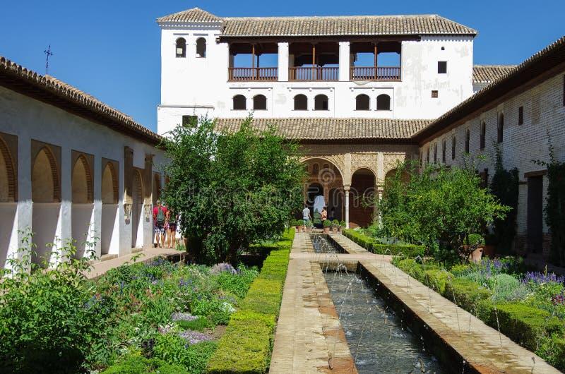 Algemene mening van de Generalife-binnenplaats, met zijn beroemde founta royalty-vrije stock foto's