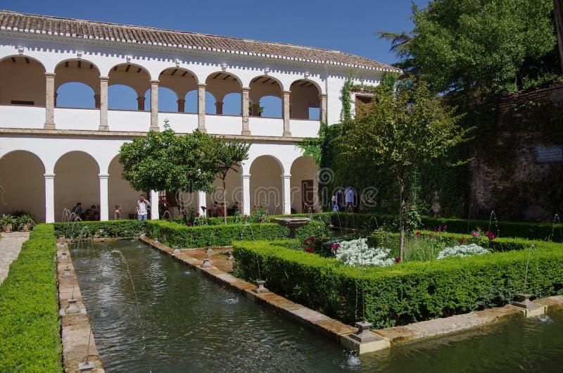 Algemene mening van de Generalife-binnenplaats, met zijn beroemde founta stock afbeeldingen