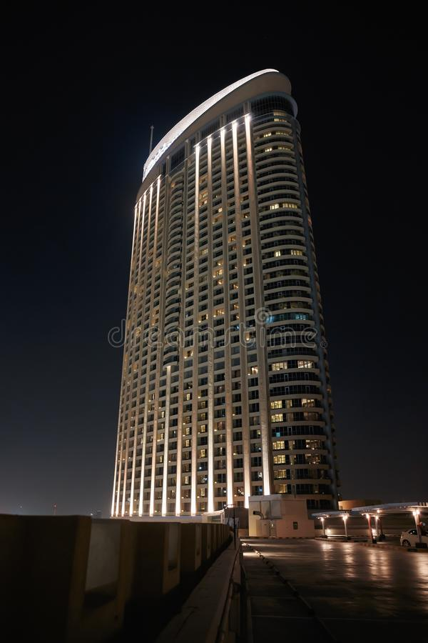 Algemene mening van Doubai bij nacht stock fotografie