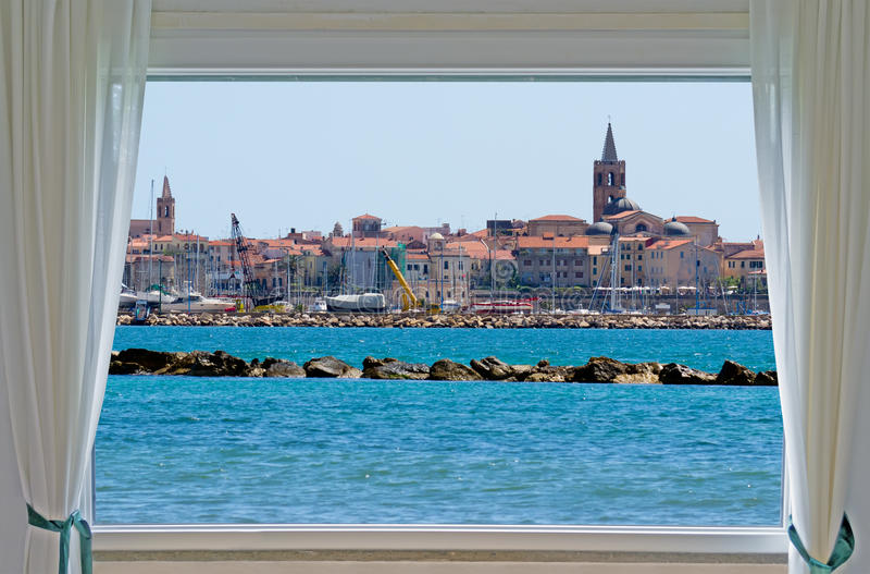 Alghero i okno fotografia royalty free