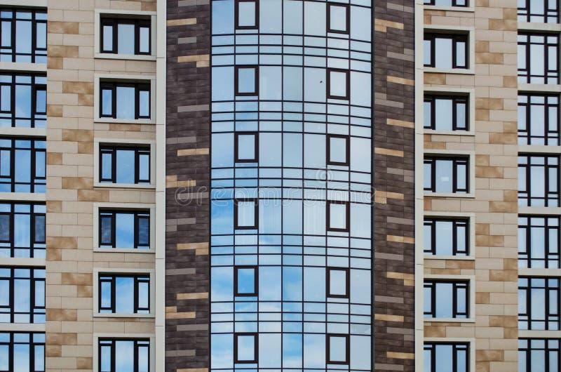 Algo de la ciudad construye arquitectura fotografía de archivo libre de regalías