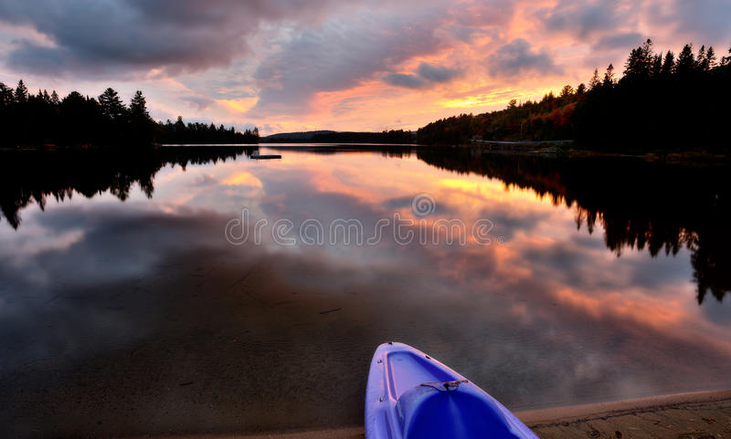 Algonquin parkerar Muskoka Ontario sjövildmarken arkivfoto