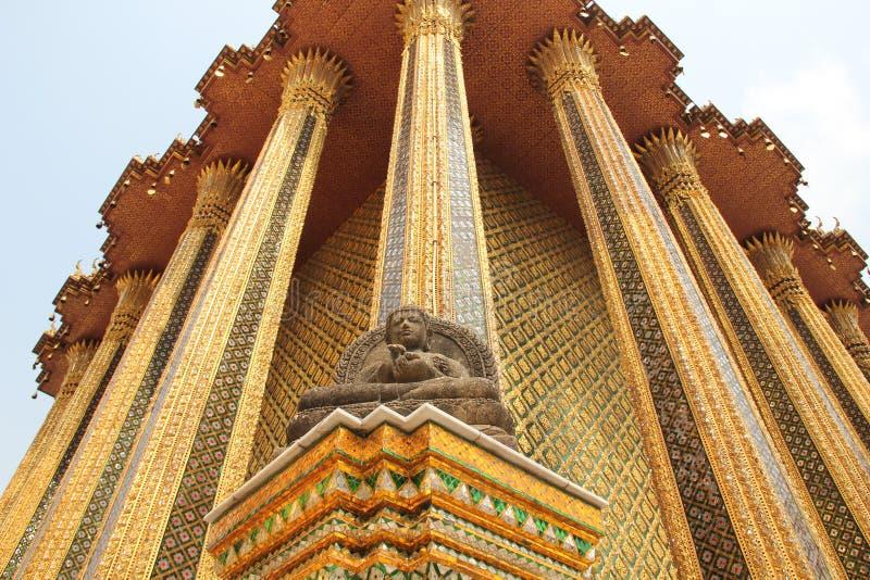 Download Algum canto no templo foto de stock. Imagem de artístico - 26519926