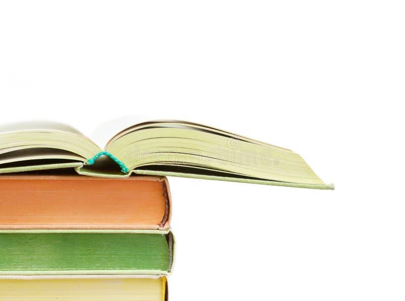 Alguns livros isolados no fundo branco foto de stock