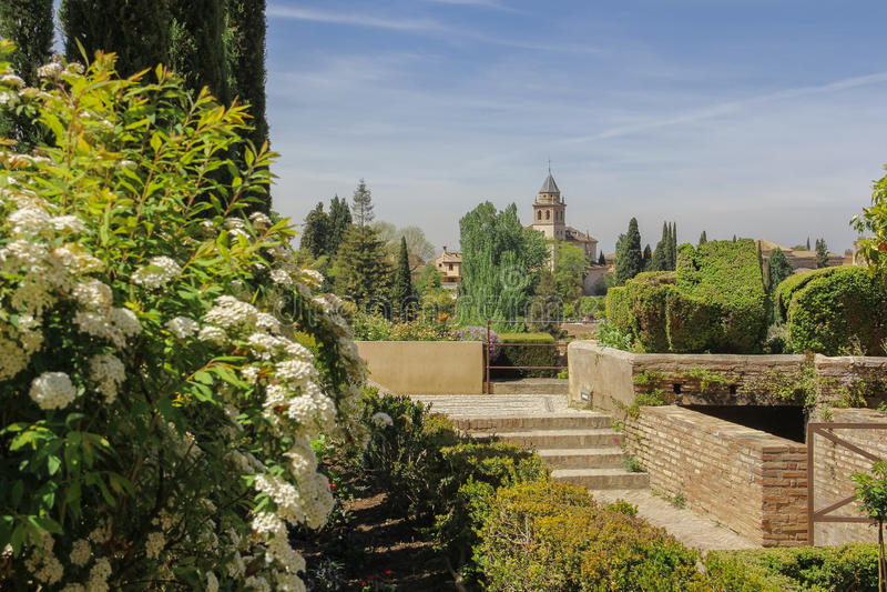 alhambra arbeta i trädgården slotten royaltyfri fotografi