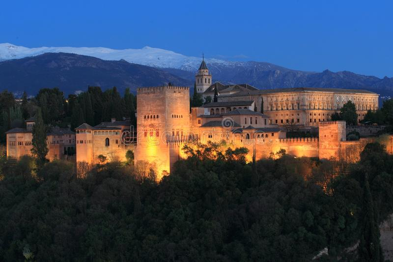 Alhambra bij zonsondergang royalty-vrije stock foto
