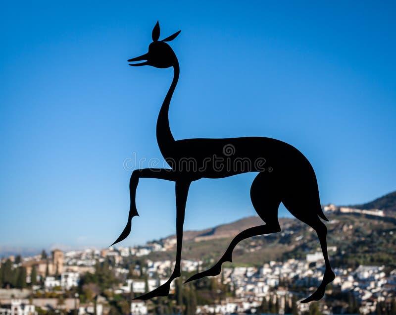 Alhambra Deer Symbol in Granada, Spanje royalty-vrije stock fotografie