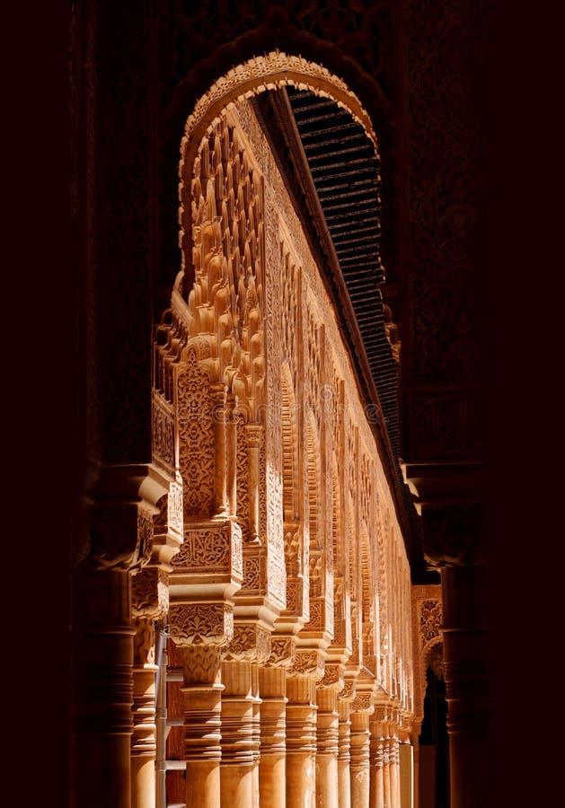 Alhambra en la noche imagenes de archivo
