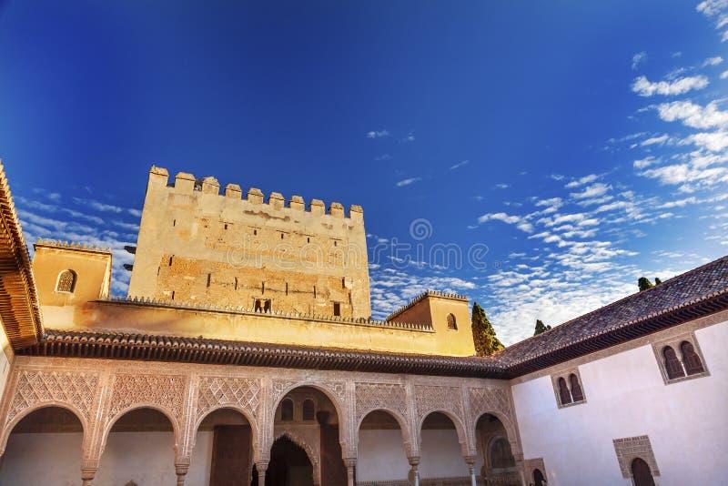 Alhambra Myrtle Courtyard Moorish Wall Designs Granada Spanien royaltyfria bilder