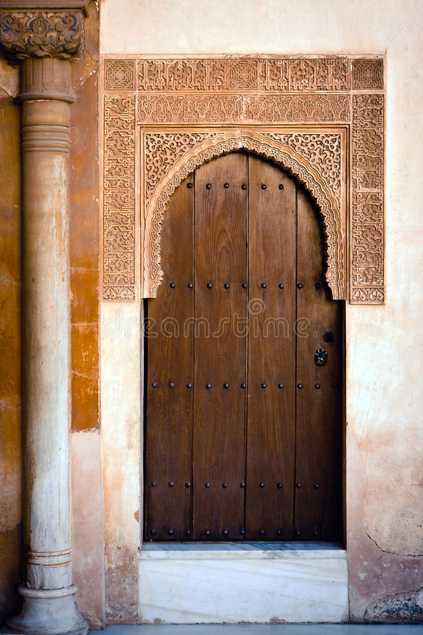 alhambra pałac antyczny drzwiowy obraz royalty free