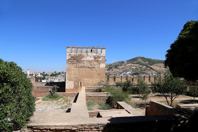 Alhambra Palace - medeltida moorishslott i Granada, Andalusia, Spanien arkivfoton