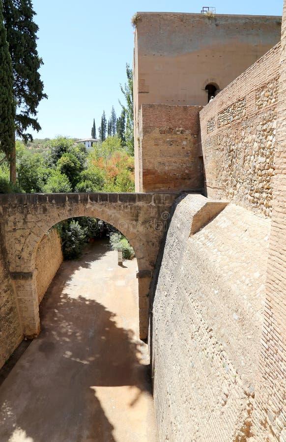 Alhambra Palace - medeltida moorishslott i Granada, Andalusia, Spanien arkivfoto