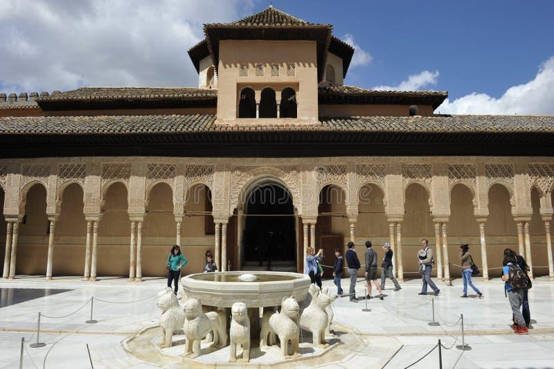 Alhambra, palacio de leones, Granada, España imágenes de archivo libres de regalías