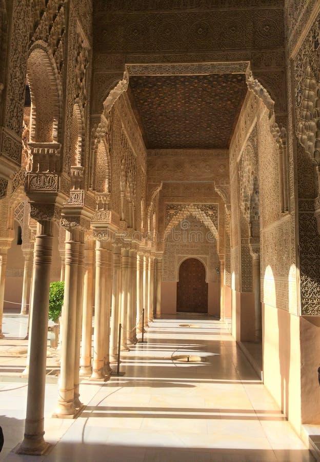 Alhambra-Palast- und -festungskomplex gelegen in Granada lizenzfreies stockbild