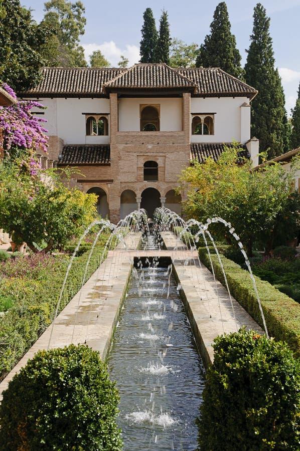 Alhambra - Patio de la Acequia en el Generalife imagen de archivo libre de regalías
