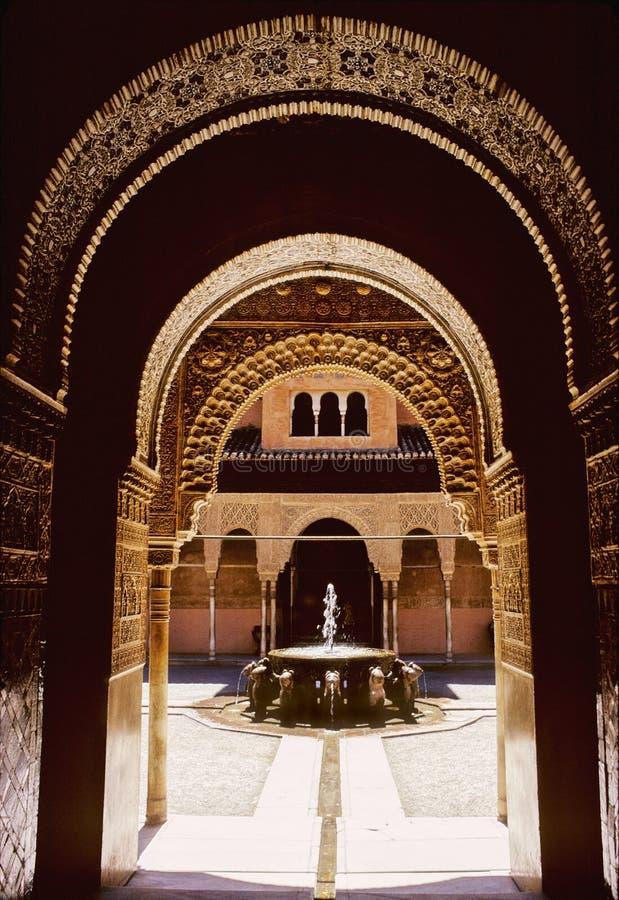 alhambra slott royaltyfria bilder