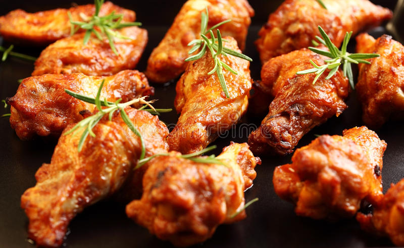 Ali di pollo calde fotografie stock libere da diritti