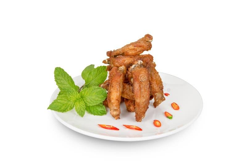 Ali di pollo fritte delle parti isolate su bianco, percorso di ritaglio fotografia stock libera da diritti