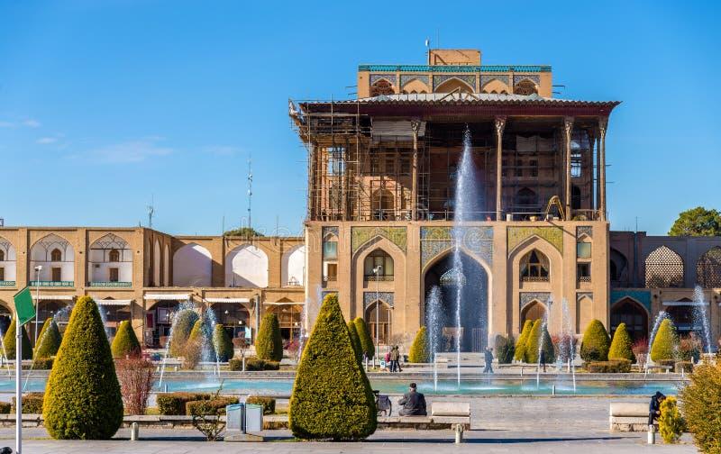 Ali Qapu Palace en el cuadrado de Naqsh-e Jahan en Isfahán foto de archivo