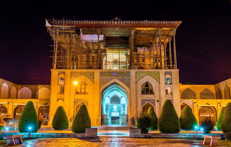 Ali Qapu Palace sur la place de Naqsh-e Jahan à Isphahan photographie stock