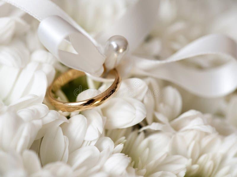 Aliança de casamento imagens de stock royalty free