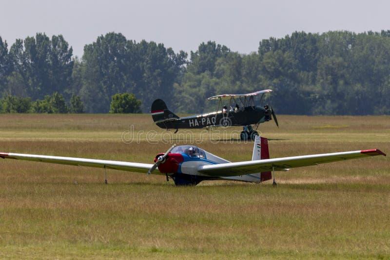 Aliante a motore con apertura alare larga Dunakeszi Ungheria immagine stock