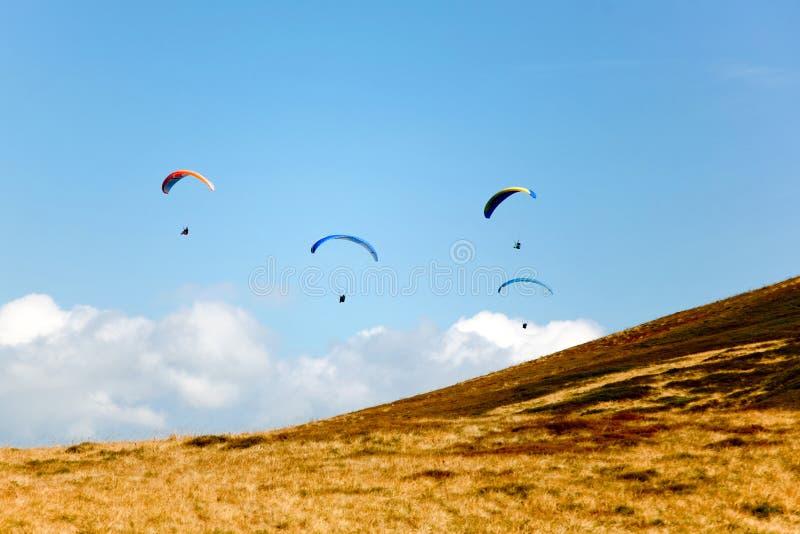 Download Alianti immagine stock. Immagine di cielo, vela, quattro - 7310399