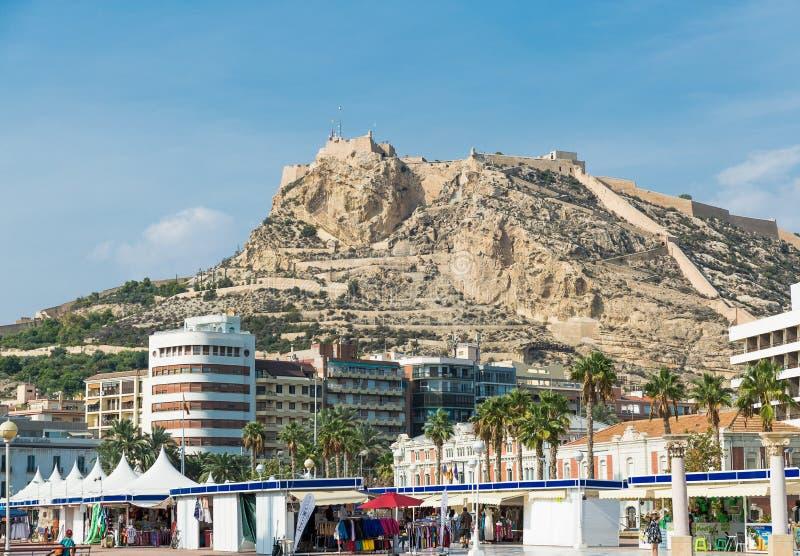 Download Alicante, Espagne - Septembre 2015 : Vue à Santa Barbara Castle Image stock éditorial - Image du tour, paysage: 76076939