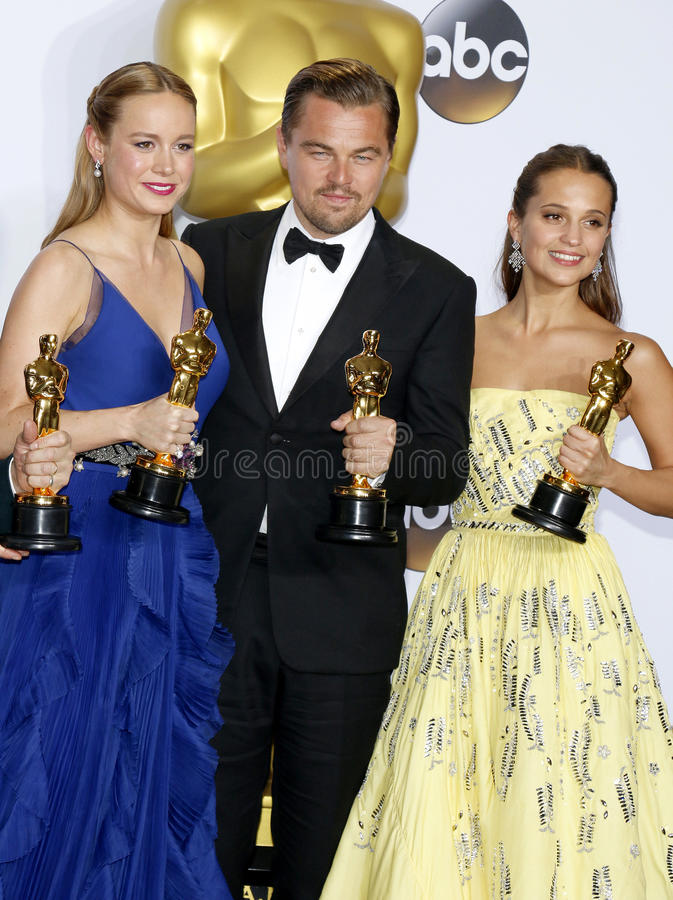 Alicia Vikander, Brie Larson und Leonardo DiCaprio lizenzfreie stockfotografie