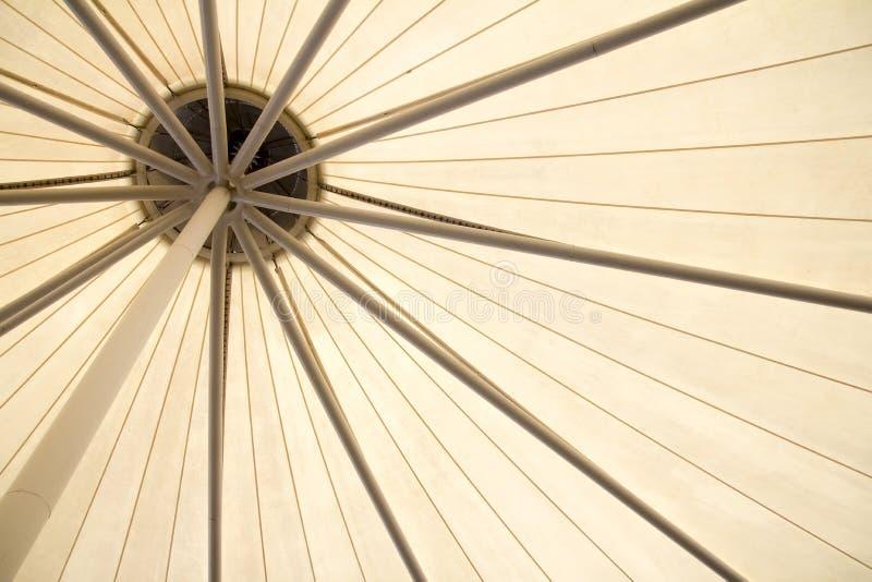 alignement en acier de botte de toit beau photos libres de droits