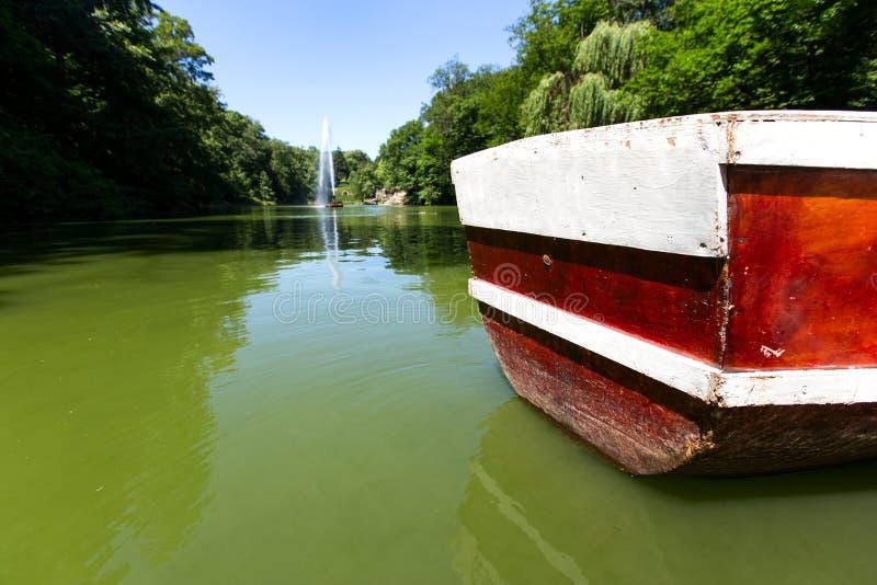 Alimentation de bateaux sur le lac photo libre de droits
