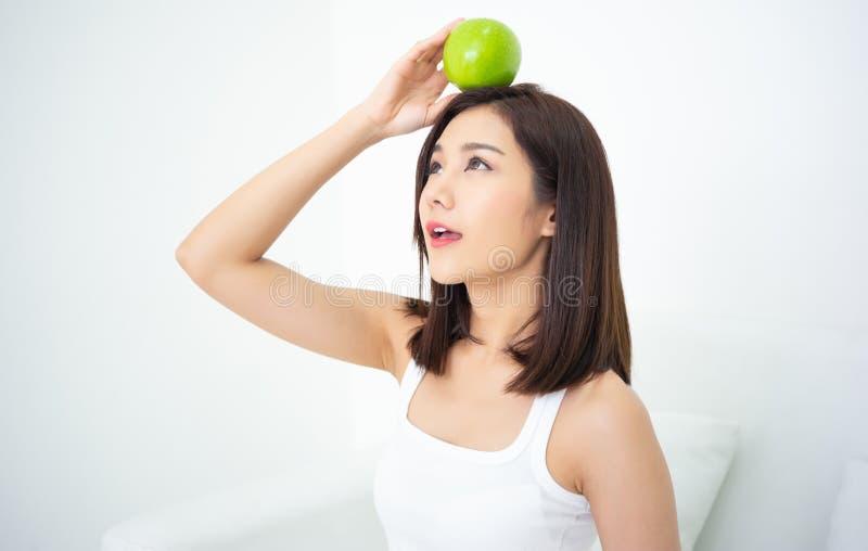 Alimentation saine et nutrition E poids photographie stock