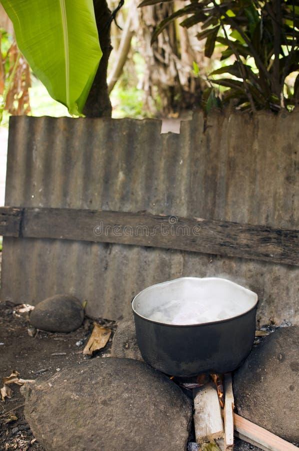 Alimento ao ar livre que cozinha o console Nicarágua do milho fotografia de stock royalty free