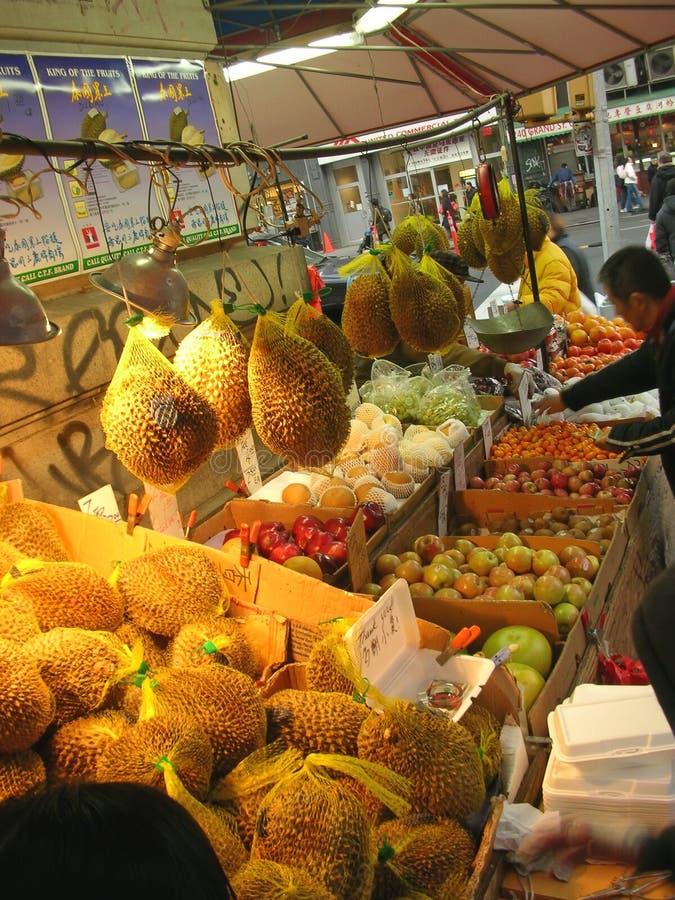 Alimento asiático na Ásia pequena foto de stock royalty free