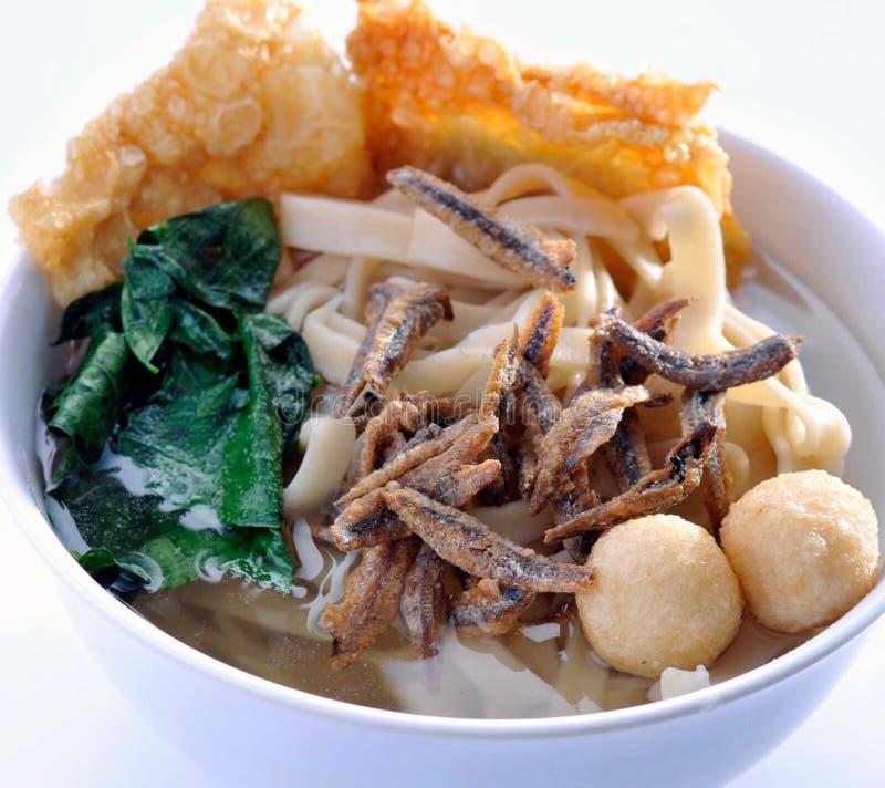 Alimento asiatico della minestra di tagliatella - vaschetta Mee fotografia stock