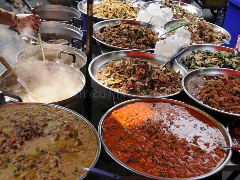 Alimento autentico della via, Bangkok, Tailandia fotografie stock