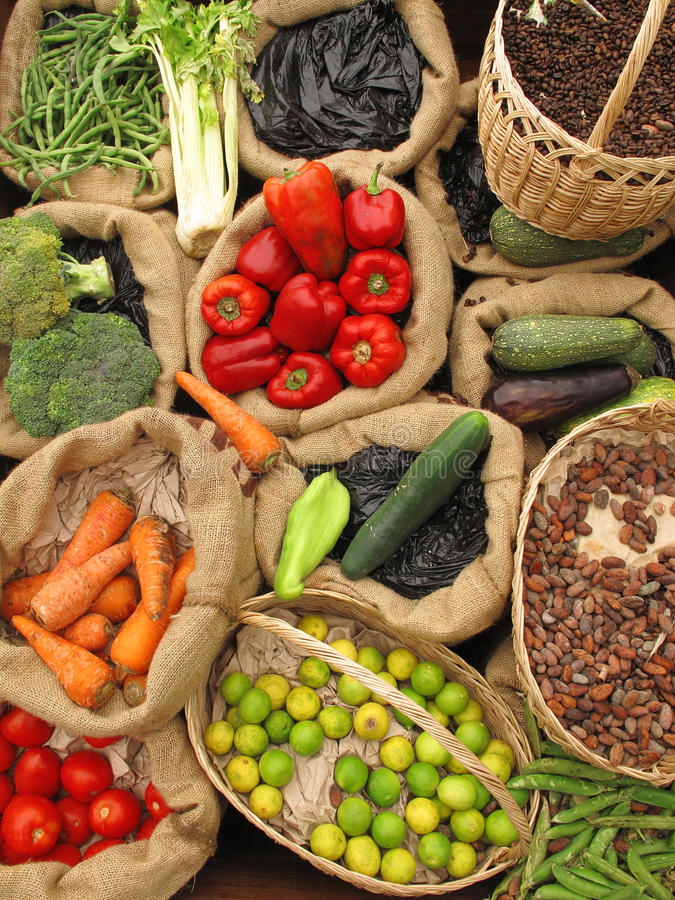 Alimento biológico del surtido fotografía de archivo libre de regalías