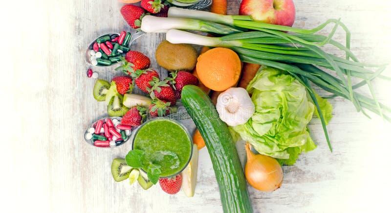 Alimento biológico saudável de Eatin que inclui suplementos imagens de stock