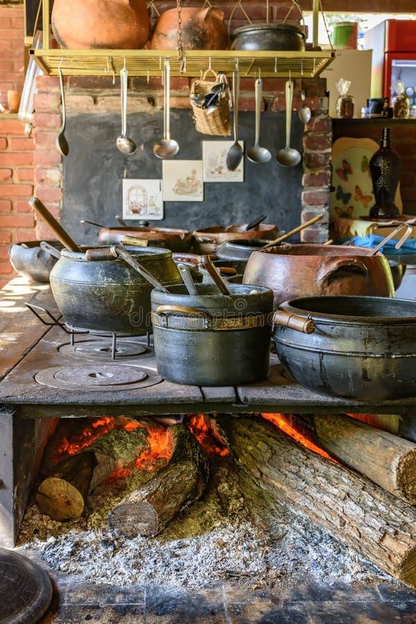 Alimento brasileiro tradicional que está sendo preparado fotos de stock royalty free