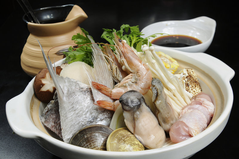Alimento caldo giapponese del POT immagini stock libere da diritti