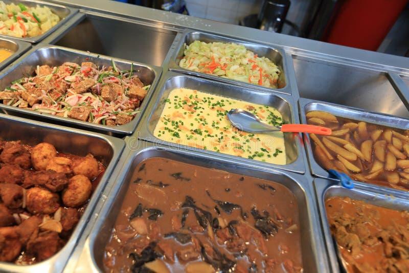 Alimento chinês do bufete do fast food foto de stock