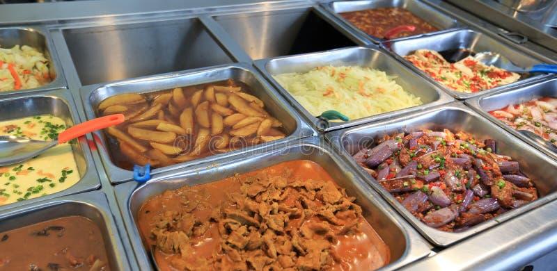Alimento chinês do bufete do fast food imagem de stock