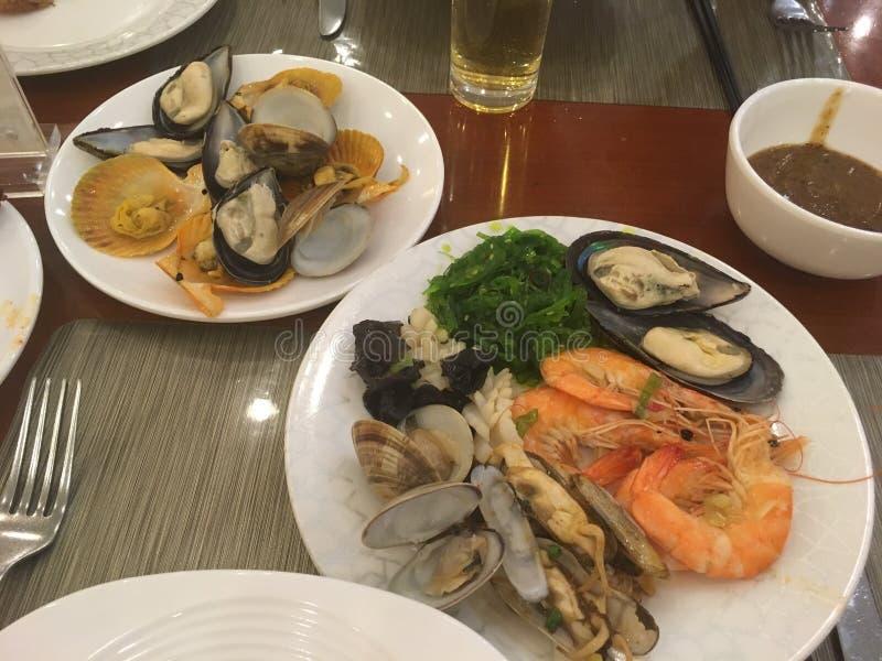 Alimento chinês nos restaurantes chineses - picantes, doce, ácido imagens de stock
