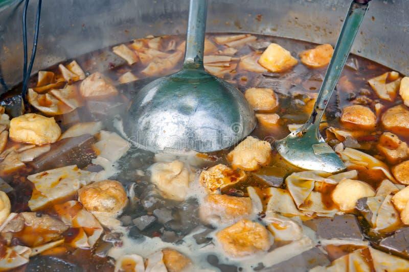 Alimento cinese della via - minestra fotografia stock libera da diritti