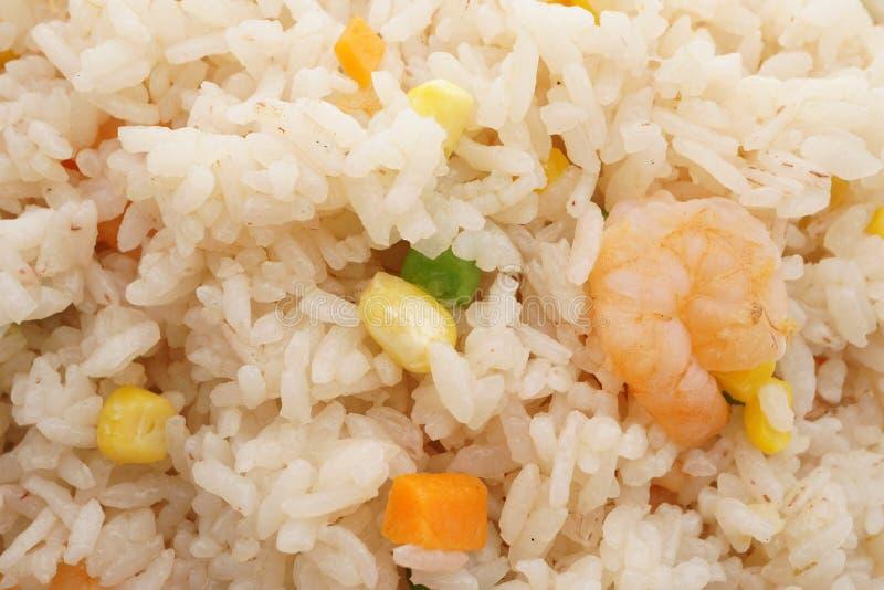 Alimento cinese Riso con i gamberetti e le verdure immagini stock