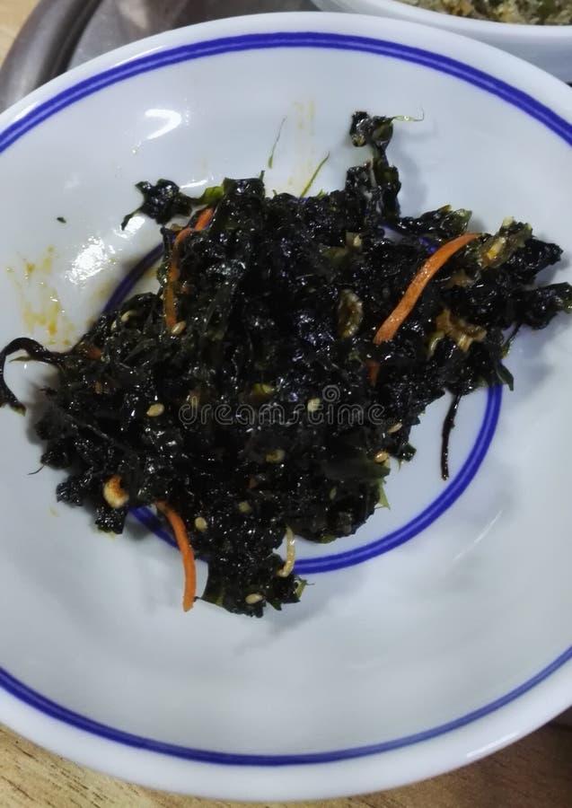 Alimento coreano - alga temperado Doljaban-muchim imagens de stock royalty free