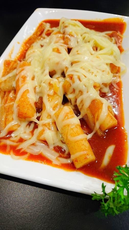 Alimento coreano, dolce di riso caldo e piccante/Tteokbokki fotografie stock libere da diritti