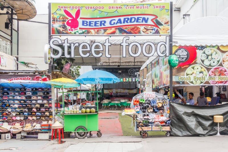 Alimento da rua do serviço do jardim da cerveja imagem de stock royalty free