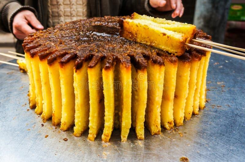 Alimento da rua na rua muçulmana em Xian fotos de stock royalty free