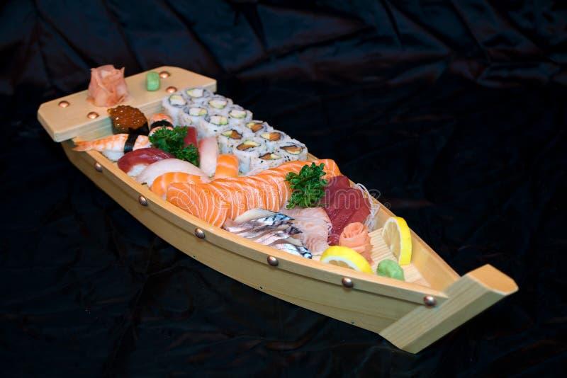 Alimento de Japão no barco grande fotos de stock
